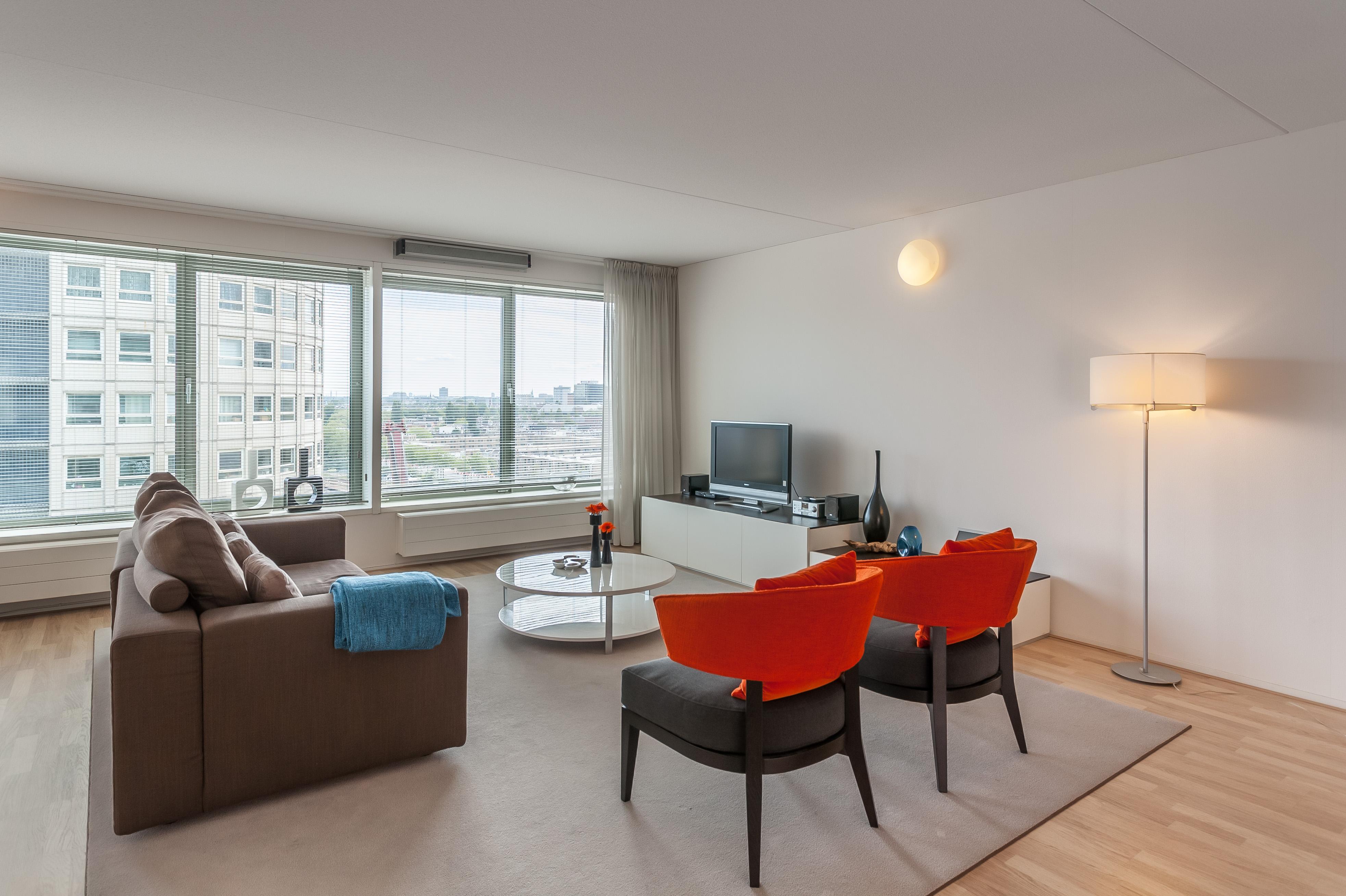 living room 2 - two bedroom apartment - La Fenetre - Den Haag